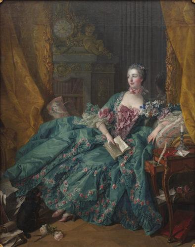 Portrait de Madame de Pompadour, maîtresse de Louis XV, un livre à la main